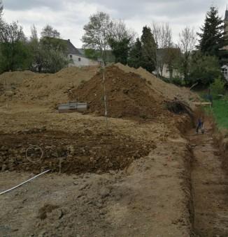 Graben für L-Steine