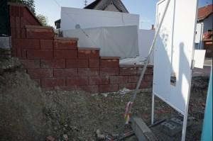 Begrenzung Einfahrt Mauer