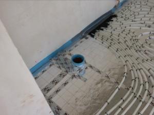 Fußbodenheizung Kamin