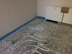 Fußbodenheizung: Austritt am Verteilerkasten