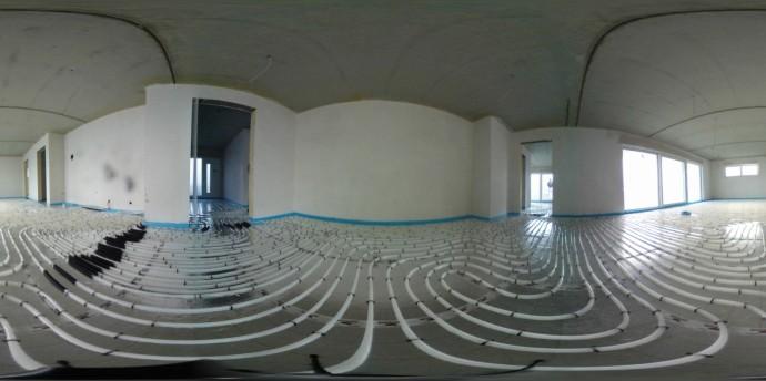 Fußbodenheizung Wohnzimmer in 3-D Ansicht. Mehrere Heizkreise. An Dehnungsfuge Schutzrohr angebracht.