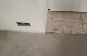 sockel an garagentür